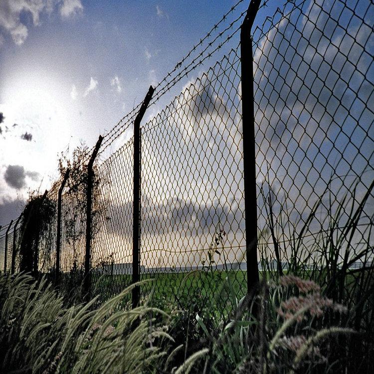 菱形金属网围栏防护应用